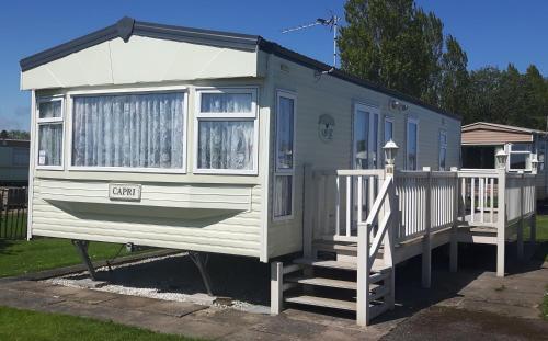 Caravan 6 Berth North Shore Holiday Centre