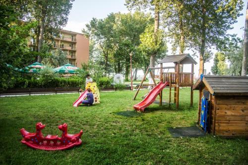Zona de joacă pentru copii de la Hotel Central