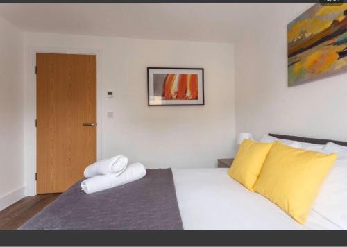 2 Bedrooms -Chapel Riverside ,Southampton by Goshen Property