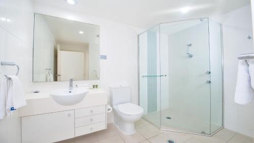 A bathroom at Pacific Blue, Salamander Bay