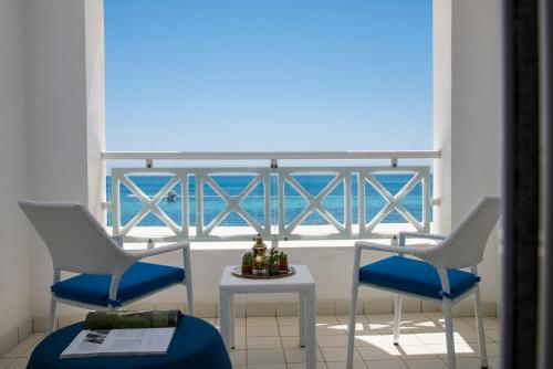 A balcony or terrace at Radisson Blu Resort & Thalasso Hammamet