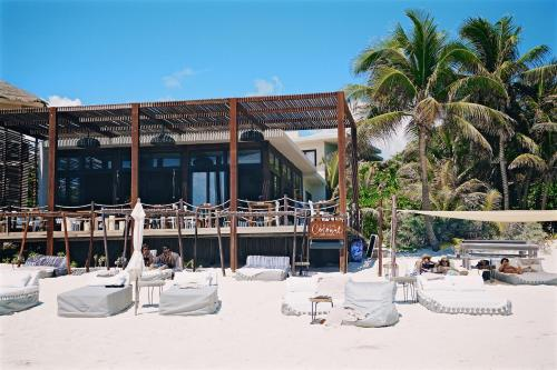 A restaurant or other place to eat at Sanara Tulum