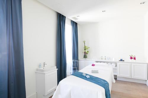 Spa and/or other wellness facilities at La Cour des Consuls Hotel and Spa Toulouse - MGallery