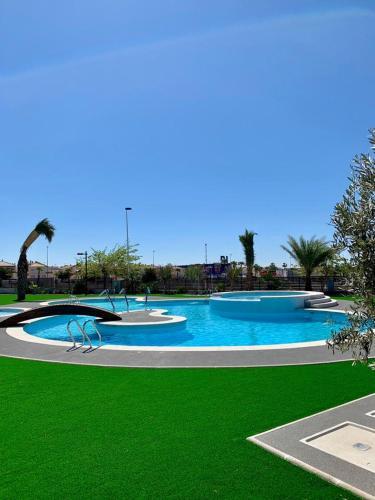 The swimming pool at or near La casa Breezes