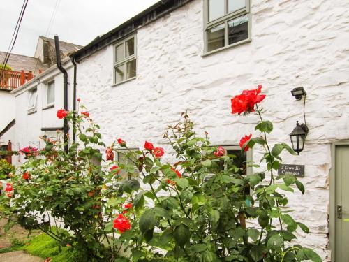 2 Gwydir Cottages