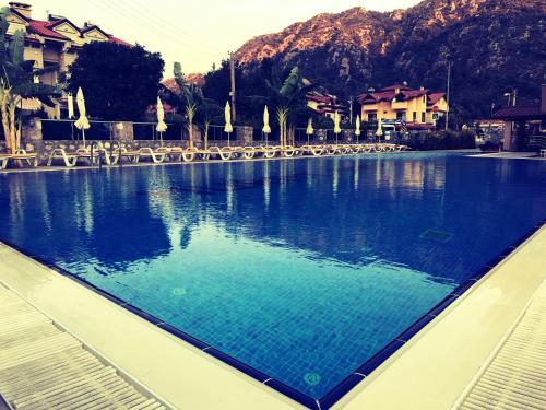 The swimming pool at or near Murat Apart Hotel