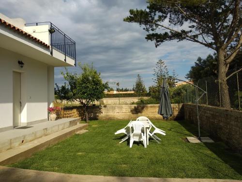 A garden outside Caledonia Relax