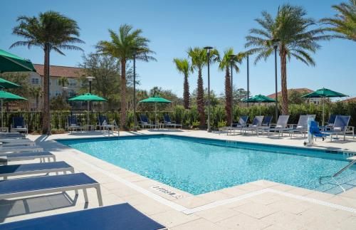The swimming pool at or close to Hyatt Place Sandestin at Grand Blvd