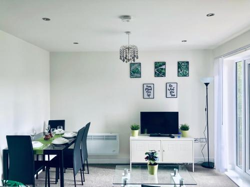 Snapos Luxury Serviced Apartments - Shield House