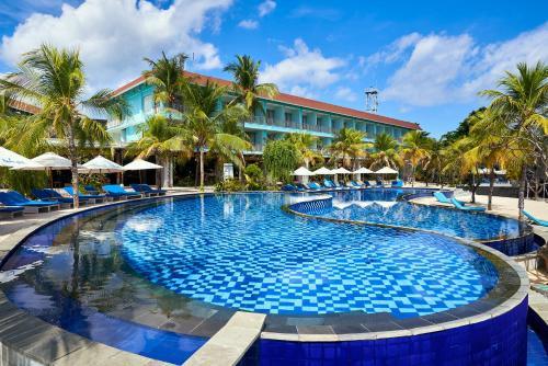 Der Swimmingpool an oder in der Nähe von Mahagiri Resort Nusa Lembongan