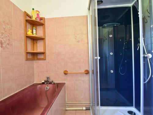A bathroom at Spacious Holiday Home with Garden near Sea in Normandy