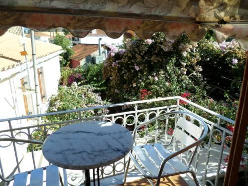 A balcony or terrace at Fiscardo studios