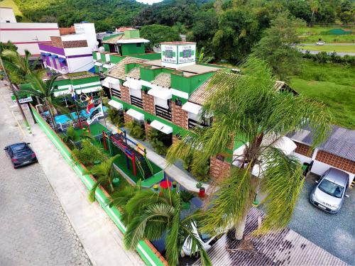 Uma vista aérea de Pousada Vila do Parque