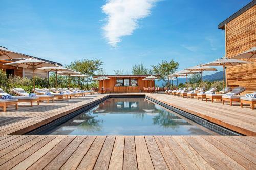 The swimming pool at or near Jiva Hill Resort - Genève