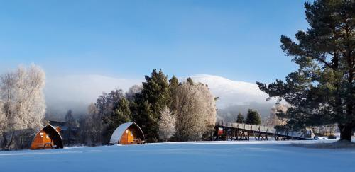 Badaguish lodges, wigwams and camping during the winter