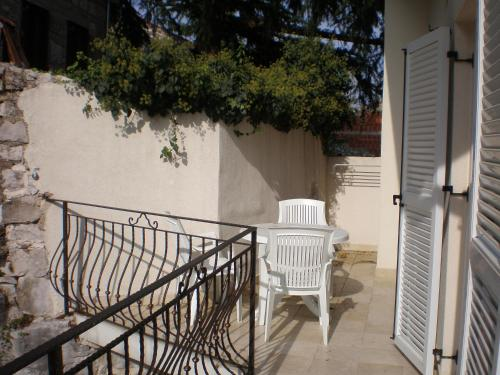 A balcony or terrace at Apartments Lalic Vrsar