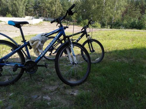 Montar en bicicleta en Ezera Park Hotel o alrededores