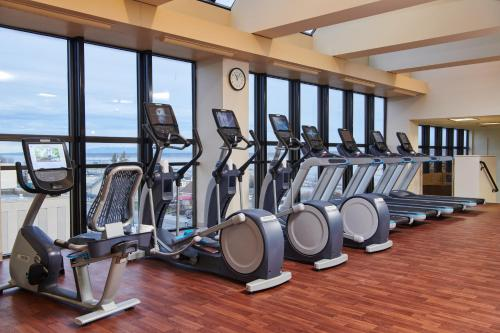 The fitness center and/or fitness facilities at Hilton Anchorage