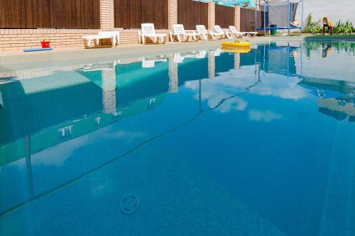 The swimming pool at or close to Iris Guest House