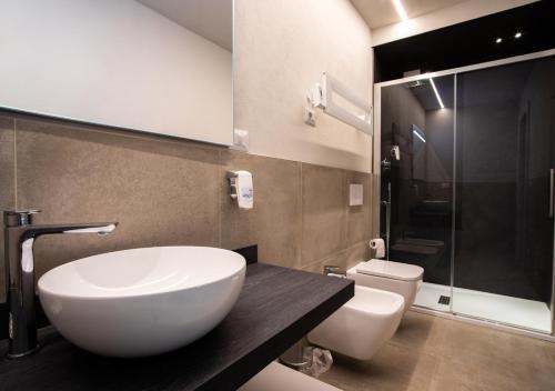 A bathroom at Astoria Living Apartments