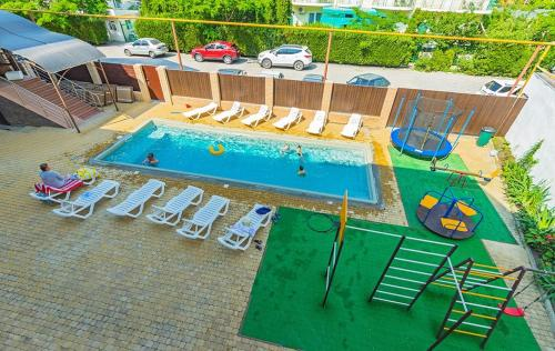 A view of the pool at Iris Guest House or nearby