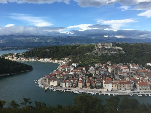 A bird's-eye view of Seafront Apartment Riva