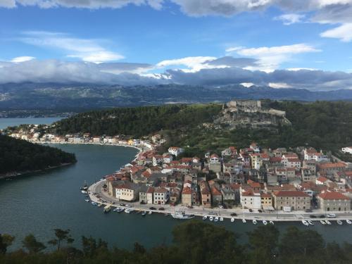 Blick auf Seafront Apartment Riva aus der Vogelperspektive