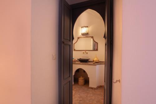 A bathroom at Dar Silsila