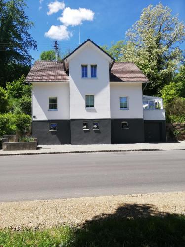 Ferienwohnung am Bodensee - Ferienhaus mit 2 Ferienwohnungen