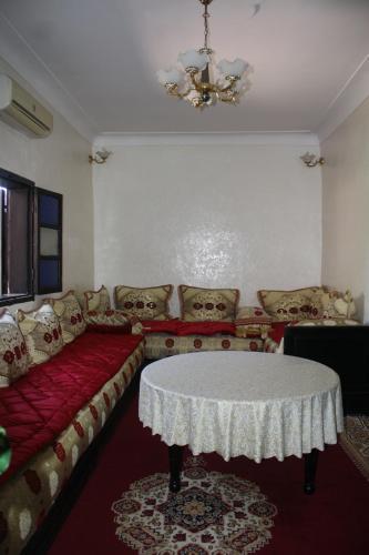 A seating area at Rue Riad Zitoun el Jdid
