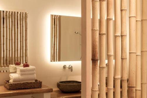 A bathroom at Naxian Collection