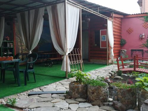 A seating area at Sabai