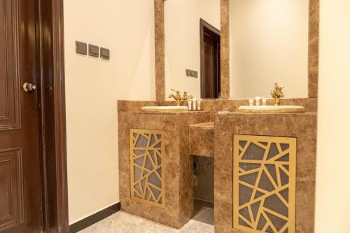 حمام في PALM RESORT