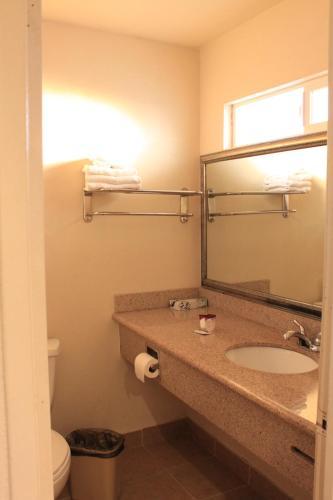 A bathroom at Menifee Inn