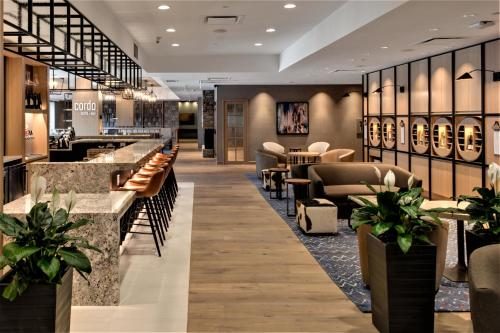 A restaurant or other place to eat at Delta Hotels by Marriott Kamloops