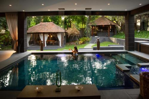 The swimming pool at or close to Fairlawns Boutique Hotel & Spa