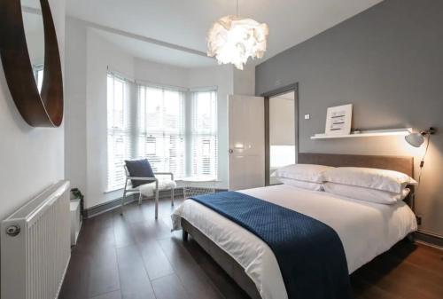 Luxury Liverpool Townhouse Sleeps 19 ppl