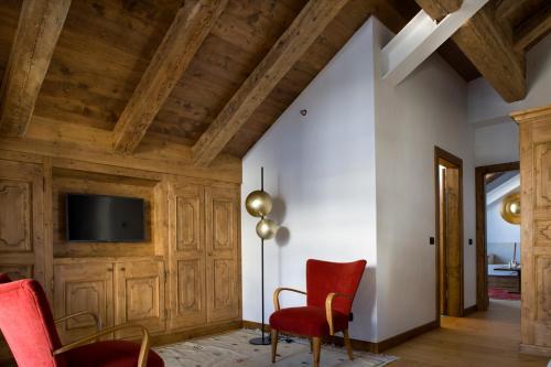 Een zitgedeelte bij Hotel Cortina