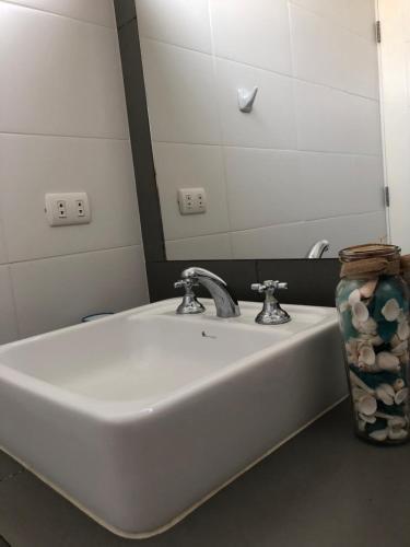 A bathroom at Apartamento Frente a Islas Ballestas