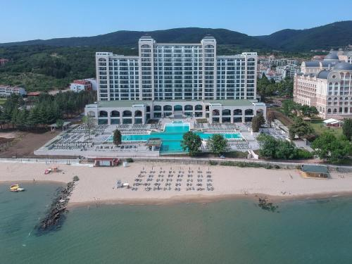 A bird's-eye view of RIU Palace Sunny Beach - adults only, 18+