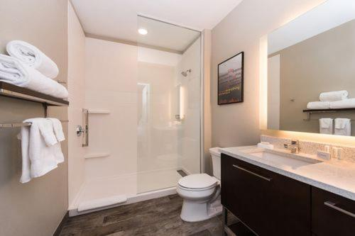 A bathroom at TownePlace Suites by Marriott Fort McMurray