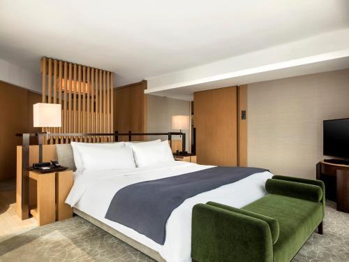 Кровать или кровати в номере The Upper House
