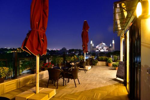 A restaurant or other place to eat at Agora Life Hotel