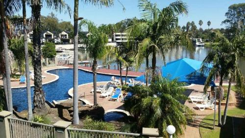 A view of the pool at Mulwala Lakeside Apartment or nearby
