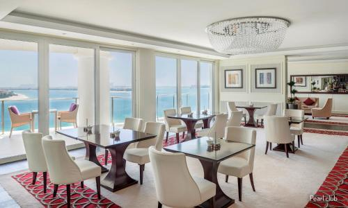 A restaurant or other place to eat at Waldorf Astoria Dubai Palm Jumeirah
