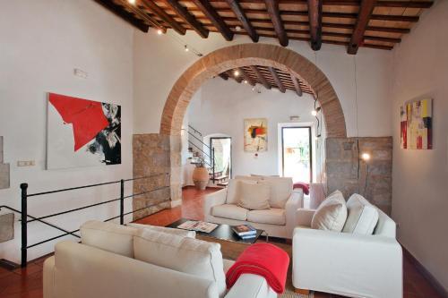 Ein Sitzbereich in der Unterkunft Mas Falgarona Hotel Boutique & SPA