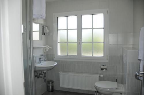 Salle de bains dans l'établissement Hôtel Restaurant La Croix Verte
