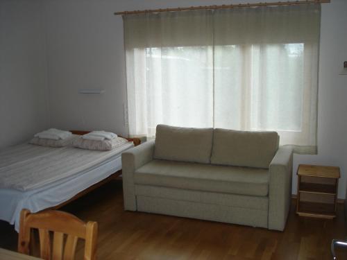 Istumisnurk majutusasutuses Aisa Accommodation