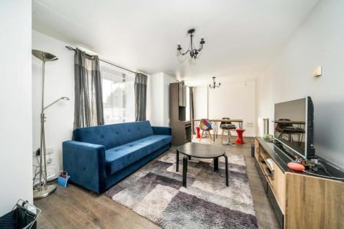 2 Bed Apartment, SHOREDITCH - SK