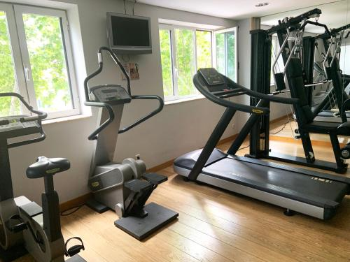 The fitness center and/or fitness facilities at Rafaelhoteles Atocha